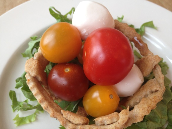 Cracker basket salad